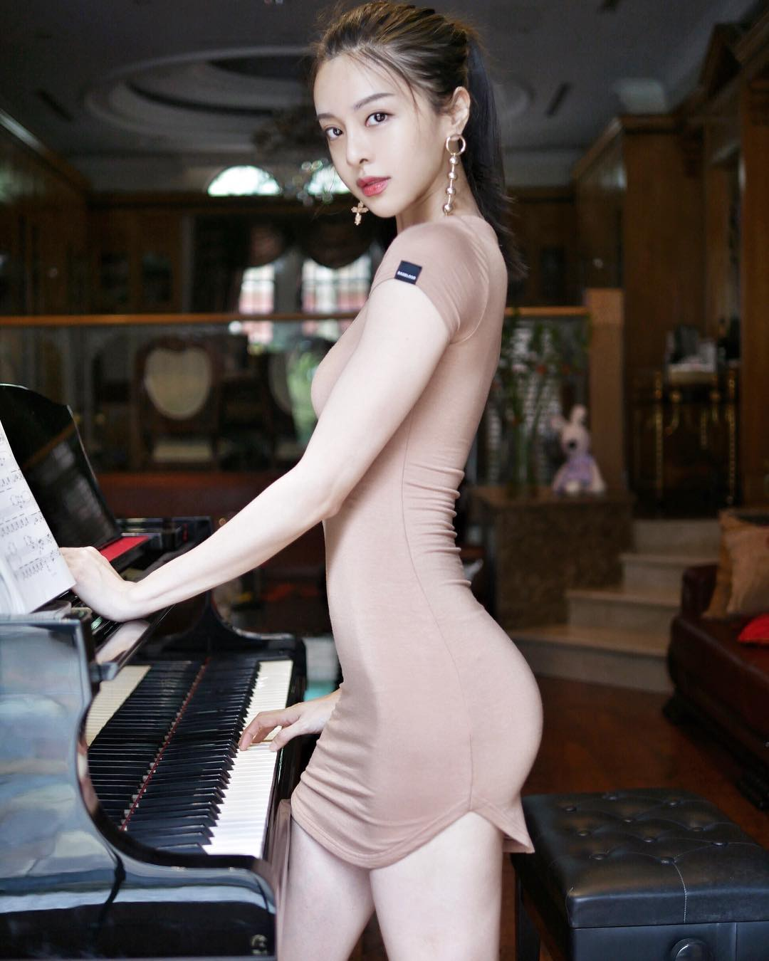 Cathryn Lee 李元玲
